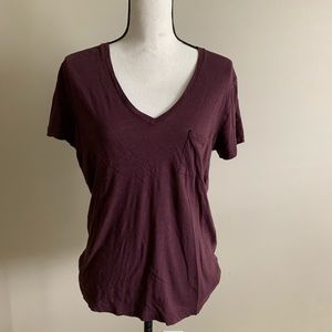 Comfy cute v-neck maroon t-shirt by Madewell